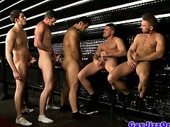 Groupsex hunks blowy their loads