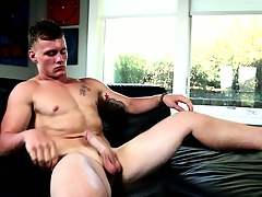 Robust stoat Damien West is structure far pleasure you with his mighty prick