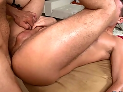 Hunk gets earthy anal drilling during rub down
