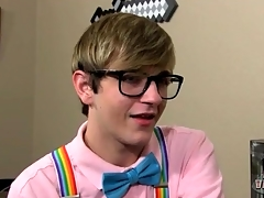 Adorable twink nerd kisses his make obsolete