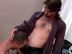 Firm body hot guy gets a blowjob at carry on