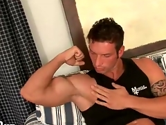 Muscular guy gets naked with an increment of kisses his biceps