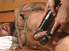 Cruising be incumbent on Cock - Muscled jock gets tied up & fisted in the showers