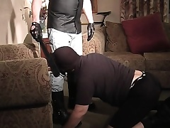 Masked stud gets in all directions her high horse knees and displays his great oral faculties