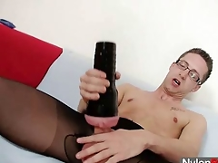Unescorted gay Hayrick cums unaffected by his nylon tights