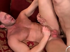 Thickly muscled design bottoms in anal sex video