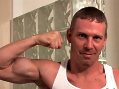 Changeless body hottie flexes his muscles and strips