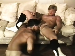 Muscled brunette challenge has a blonde stud deeply pounding his anal hole